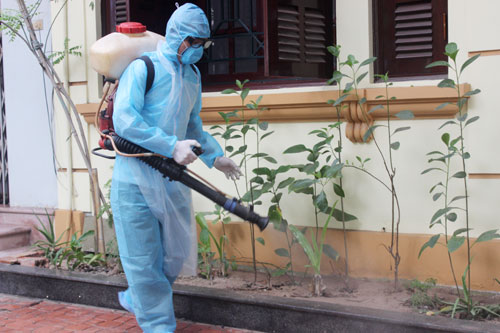 Những lưu ý khi phun thuốc diệt muỗi trong nhà