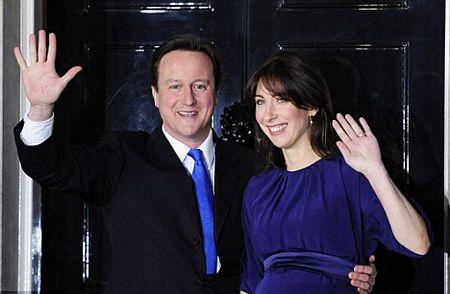 Thủ tướng Anh nuôi mèo diệt chuột